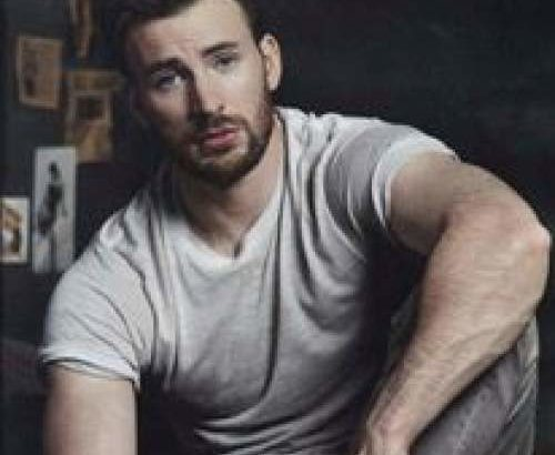 Chris Evans is trending on Twitter due to a leaked nude pic of himself